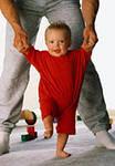 как научить ребенка ходить, первые шаги ребенка